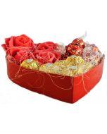 Delikate Hjerteform med sjokolade  pakket i en stilig pakkning. Sjokolade gaver nettbutikk, sjokolade konfekt nettbutikk, sende sjokolade på døra, konfekt på døra, konfekt gaver på nett, sjokolade som gaver, sjokoladekurv gaver, fruktkurv som gaver,  sen