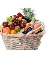 Fruktkurv med vin og Makroner fruktkurv som gaver levers på døra Hjerteform Ferrero Rochet, Nettbutikk bryllup, alt til bryllupet,  fruktkurv som gaver, bestille fruktkurv gave, fruktkurv gave, gavekurv frubordpynt bryllup, bryllup dekorasjon til leie,