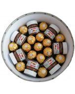 Chocolate gifts konfekt gaver på nett, sjokolade som gaver, sjokoladekurv gaver, Hjerteform Ferrero Rochet, Nettbutikk bryllup, alt til bryllupet,  fruktkurv som gaver, bestille fruktkurv gave, fruktkurv gave, gavekurv frubordpynt bryllup, bryllup dekor